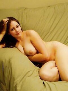 Сногсшибательная эротика от молодых сексуальных домоседок - секс порно фото