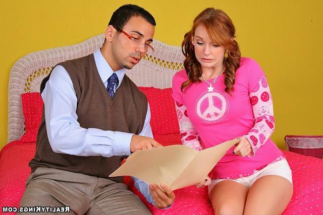 Гламурная рыжая студентка трахается с репетитором - секс порно фото