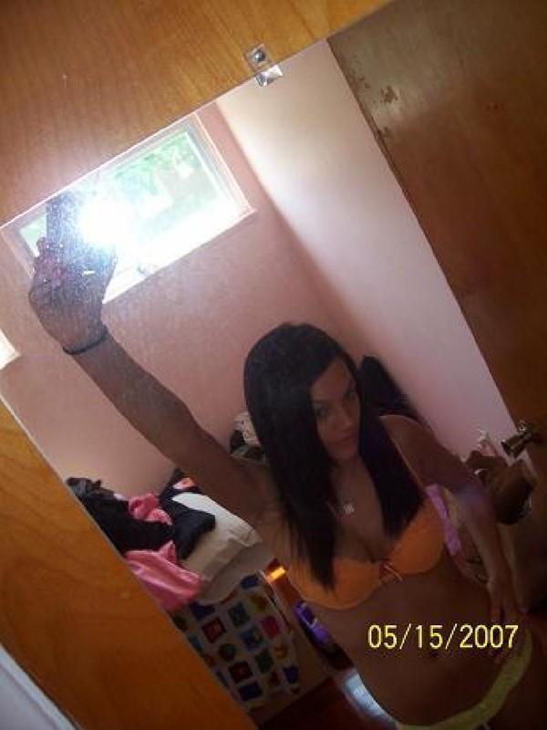 Любительские снимки развратной брюнетки Аманды - секс порно фото