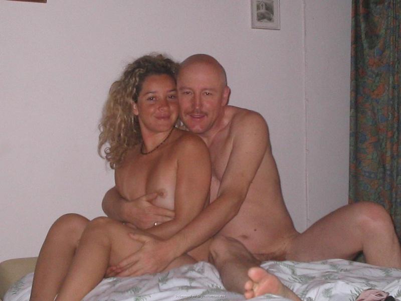 развлечение лысого с подругой - секс порно фото