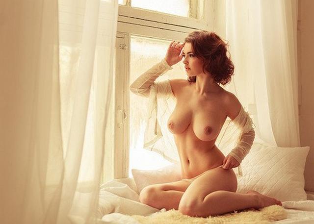 Жаркие звезды сосут мужские пенисы губами - секс порно фото