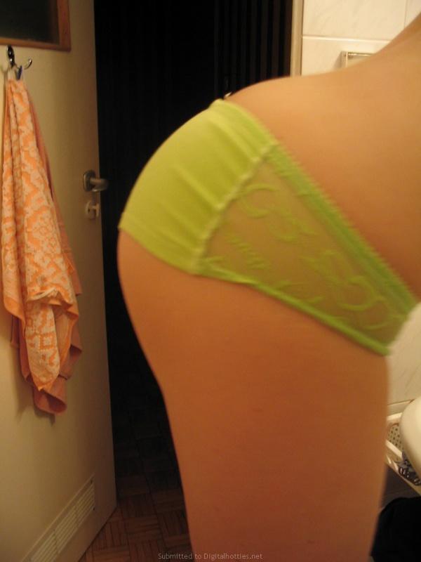 Подруга сходит с ума от недостатка секса в своей жизни - секс порно фото