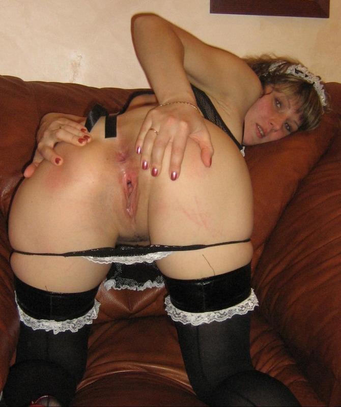 Фетишистка играет с самотыком и ждет спермы на лицо - секс порно фото