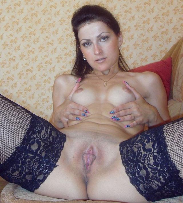 Мамки и молодые демонстрируют писи - секс порно фото