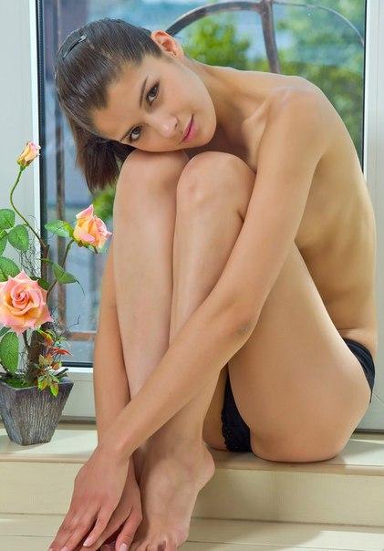 Прекрасное тело девушки легко сведет любого с ума - секс порно фото