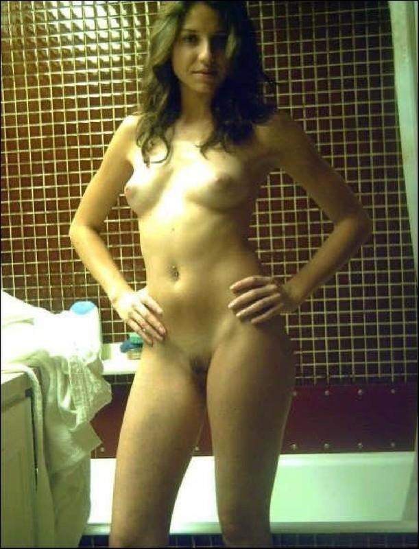 Худая подруга и другие девки показали себя - секс порно фото