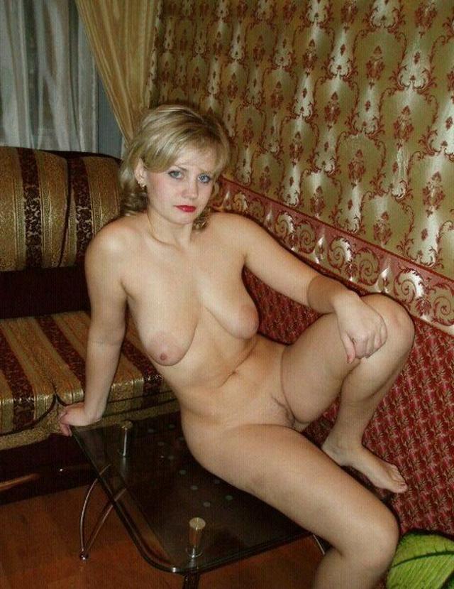 Зрелые голые в разных местах - секс порно фото