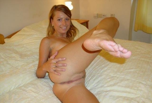 Наклонил и вставил подруге в вагину - секс порно фото