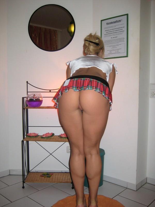 Домашняя эротика потрясающей мамки - секс порно фото