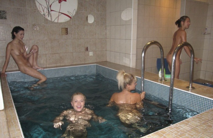 Лесбиянки в бане голые - секс порно фото