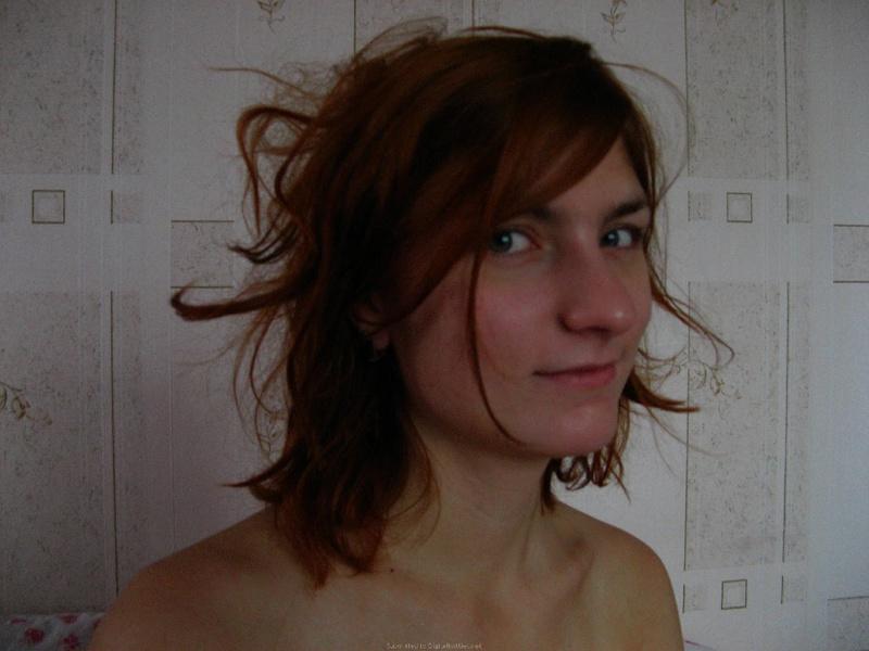 Разделась до гола и показала спортивную фигуру - секс порно фото