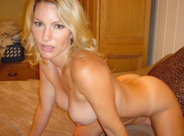 Сексуальные попки мамок сводят с ума - секс порно фото