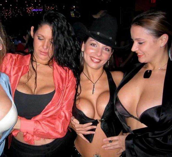 Молодые лесбиянки голые в сексе - секс порно фото