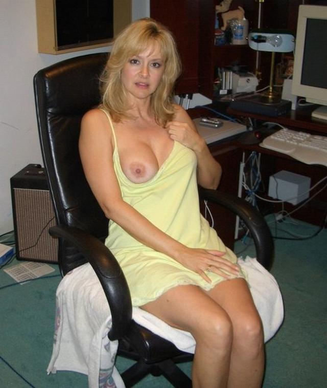 на рабочем месте и дома - секс порно фото