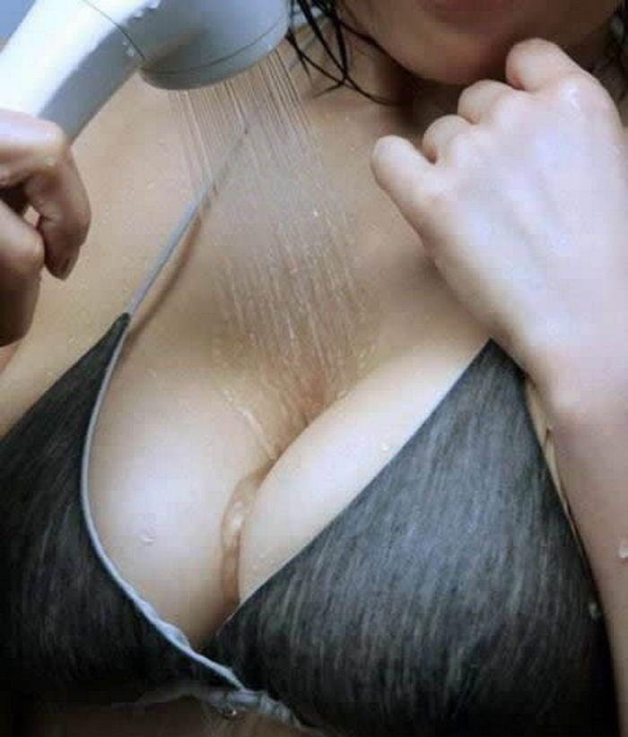 Леди демонстрируют свои груди - секс порно фото