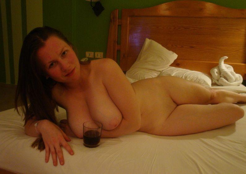 Страстная мамка манит к себе - секс порно фото