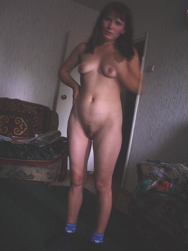 Домашние снимки одной замкнутой в себе девушки - секс порно фото