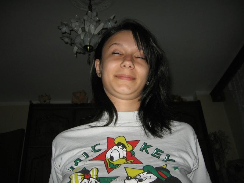 Девица любит возбуждать своего парня - секс порно фото