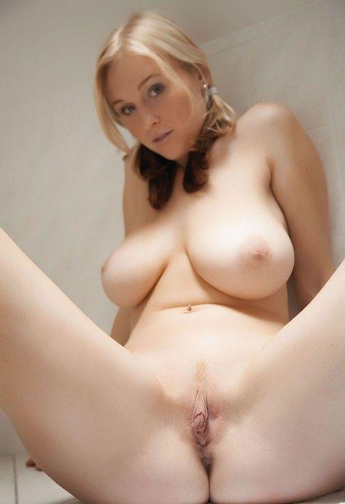 подружки показывают свои обнаженные тела - секс порно фото