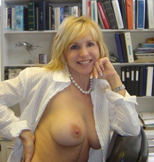 Потрясающие женщины хотят приятных знакомств и бесконечного секса - секс порно фото
